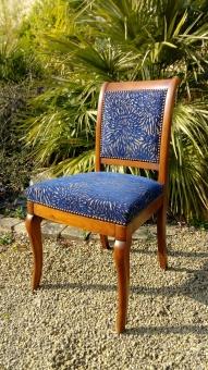 Couverture tissu chaise Louis-Philippe. Tissu San Remo de chez Casal. Finition Clous Anodise