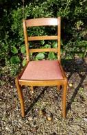 Réfection complète de 2 galettes de chaises. Tissu Sabara de chez Casal