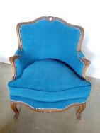 Bergère en gondole de style Louis XV. Réfection complète tissu Amara